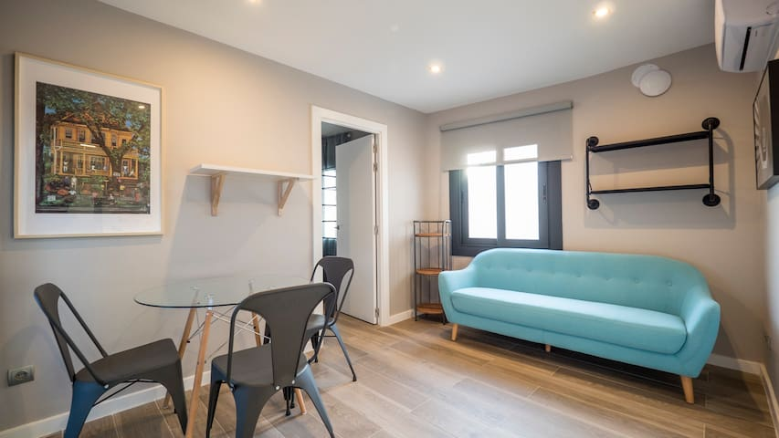 Pent apartment in Sant Andreu easy to commute