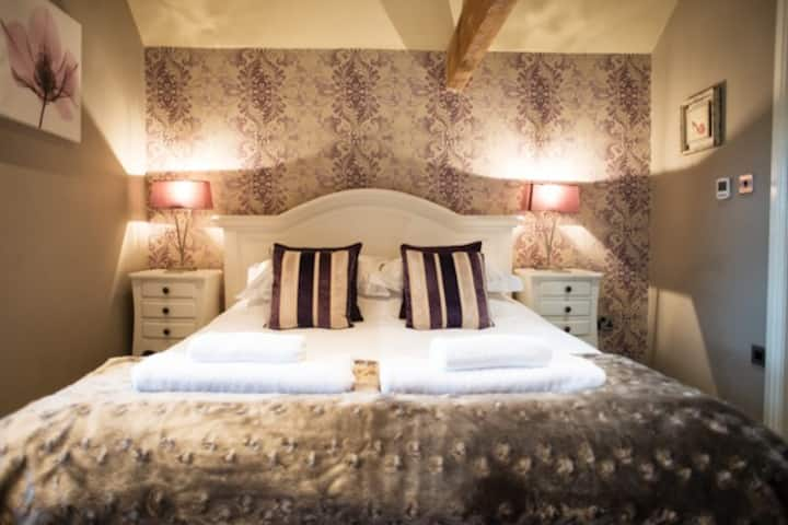 The Brosterfield Suite 1 bed