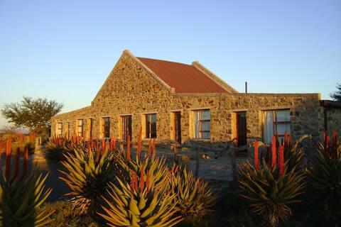 Kraanvoëlkuil Karoo Lodge-80KM from Graaff-Reinet