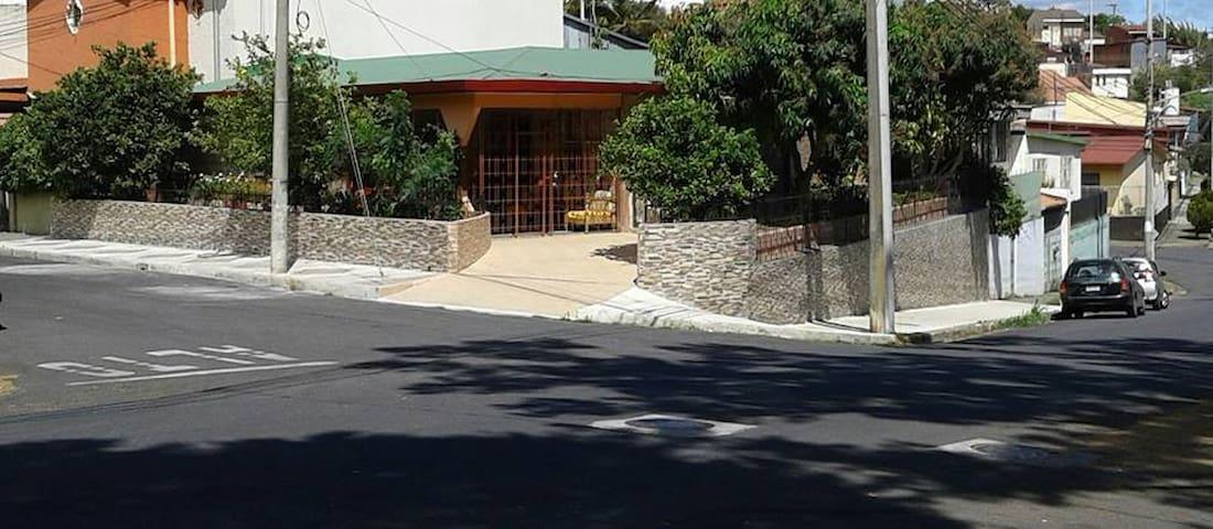 BELLO Y TRANQUILO APARTAMENTO. - San Juan