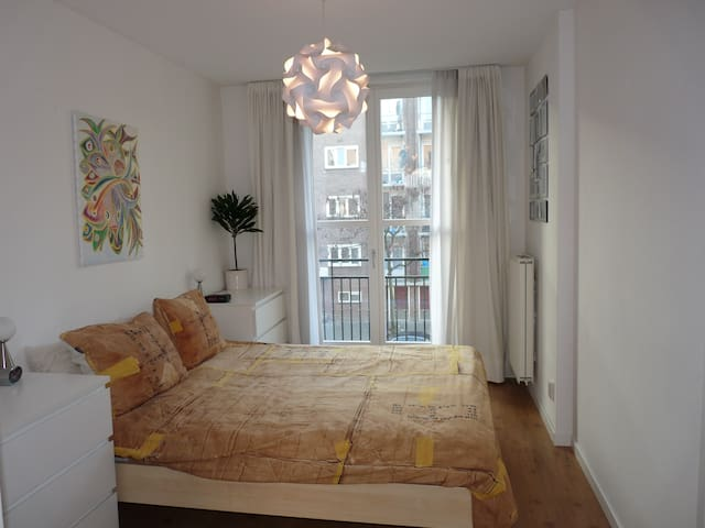 Light, fully decorated & comfortable apartment! - Amsterdam