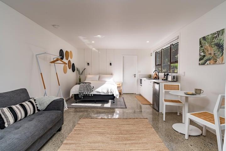Tui & Nikau Mangawhai - Beautiful studio apartment