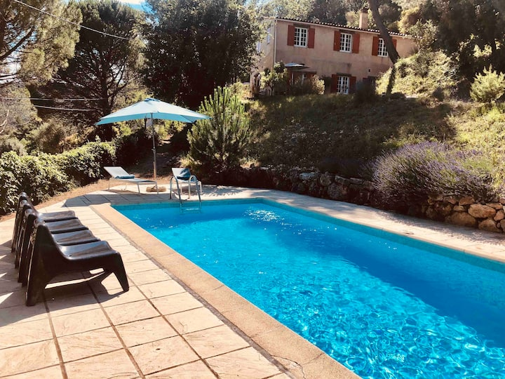 Large provençal family villa up to 10 persons
