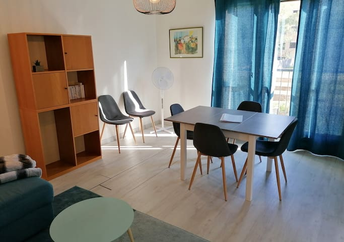 Superb 3-rooms apartment, Tram C ❤️ Direct access to Grenoble #J2