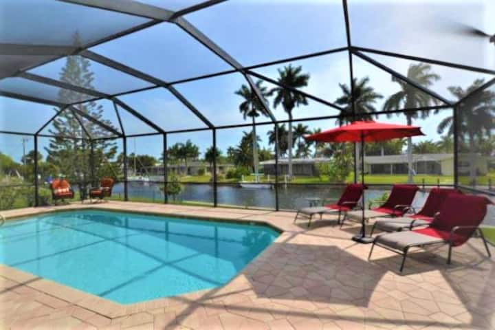 COZY BEAUTIFUL POOL HOME ON CANAL YACHT CLUB AREA