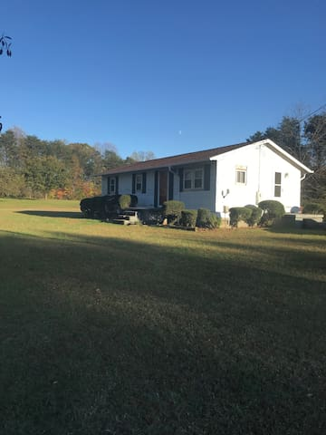 2B/1B Private House on Acreage in Stokesdale, NC.