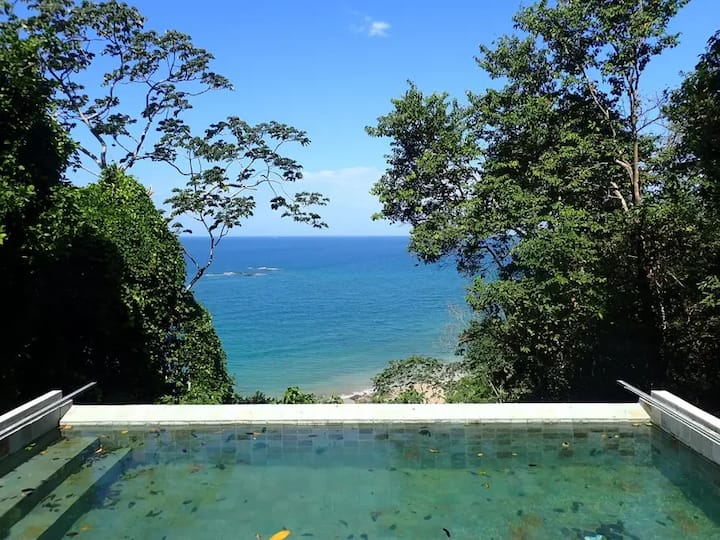 Villa la Bahia luxury into the nature in SABOGA