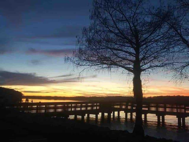 Tensaw River Retreat - fishing & boat parking!!