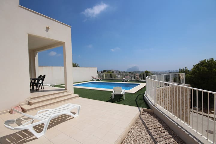 Secluded Modern 3-Bedroom Hilltop Villa - Sweeping Views of Calpe  Private Pool - Calp - Villa