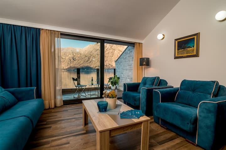 Villa Stefina - Beachfront apartment with a view 3