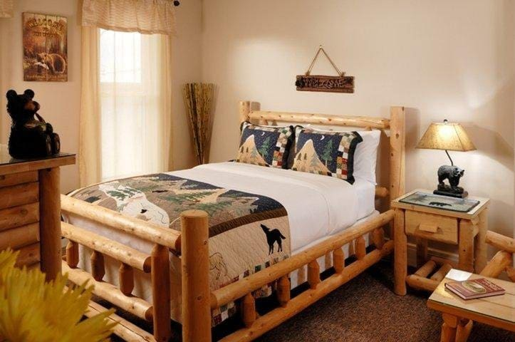 """""""Hide-A-Way"""" Located on Second Floor - Queen Bed"""