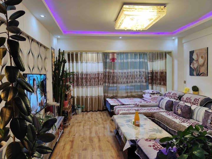 夏河༼拉卜愣༽现代简约公寓式民宿