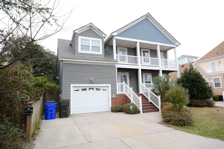 spacious  single house near chesapeake bay