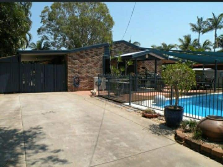 💎 Executive 4b 2 bth home - Large Shed & Pool 💎