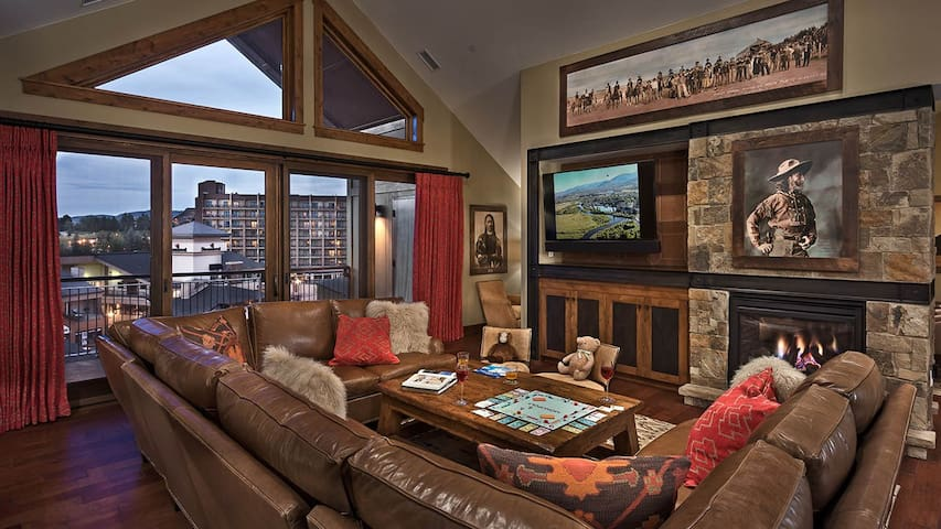 Summit Peak Penthouse 803