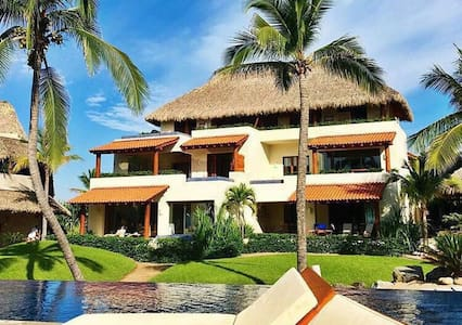 Luxury Villa by the Pacific - Zihuatanejo