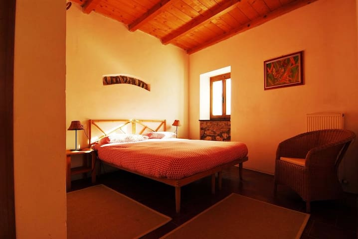 Camere in agriturismo - Maissana - Bed & Breakfast