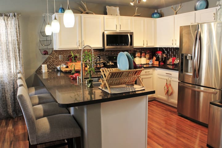Charming Home, Convenient Location - Las Vegas - Dom