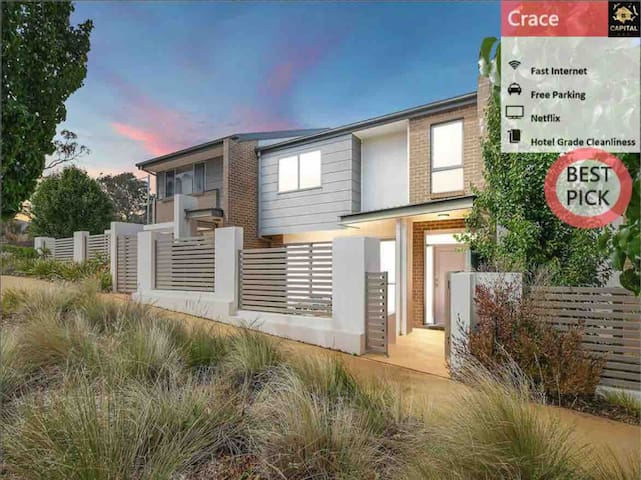Bright & Chic 3BR TH@Crace with Free Parking