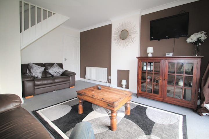 Semi Detached House Sleeps 4
