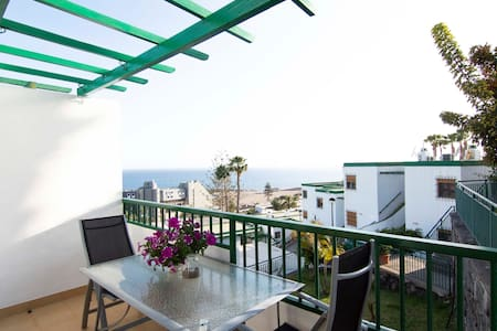Apartment with fantastic views close to the beach