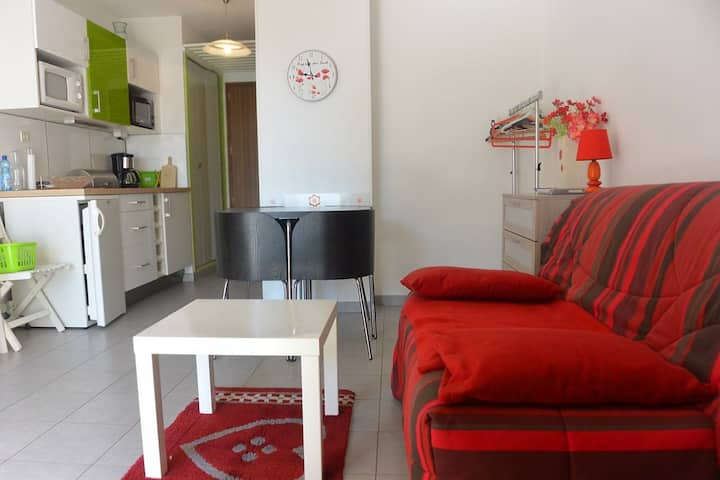 CHARMING STUDIO IN THE PORT CENTER, PRIVATE PARKING PLACE -CAP D'AGDE - ref: PB31030