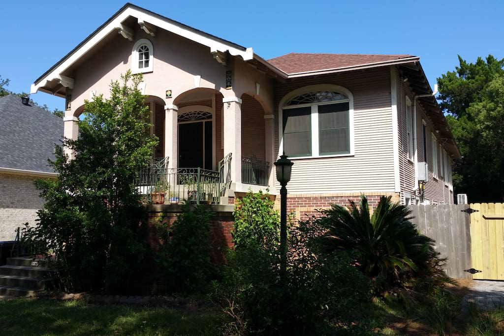 Cozy 2 Bedroom Suite In Gentilly Guest Suites For Rent In New Orleans Louisiana United States