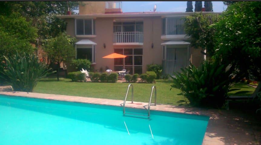 Habitación en casa en Cuernavaca - Tres de Mayo
