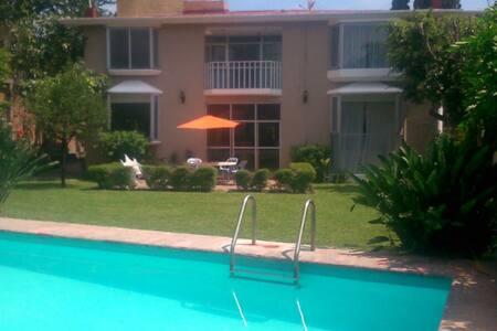 Habitación en casa en Cuernavaca - House