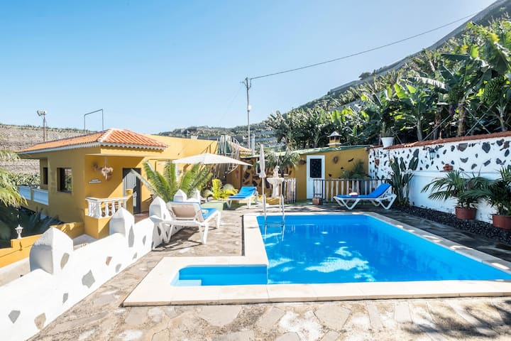 Holiday Home 'Finca Alejandrina' with Sea View, Pool, Garden & Wi-Fi; Parking Available