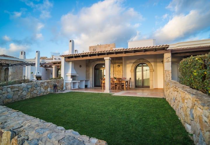 Fantastic detached villa with sea view.