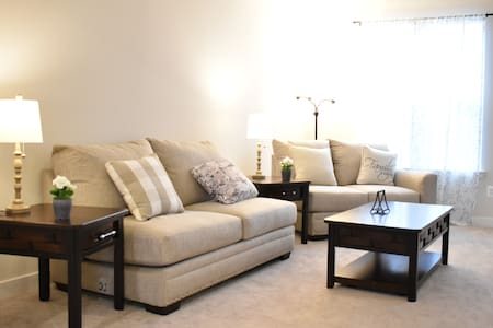 Stay and Relax in Brand New Town House!