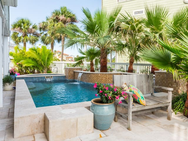 Galveston Canal House with Pool - Jamaica Beach - Hus