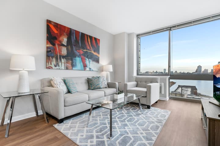 Spacious & Private 2BR | Downtown Jersey City