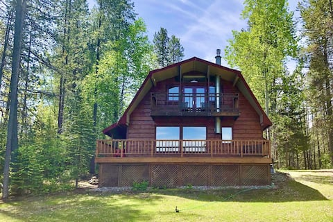 NEW! West Glacier Cabin with fantastic Glacier Mountain and Golf Course Views!