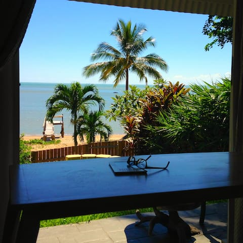 Absolute Beachfront: the Beach House/Second Beach