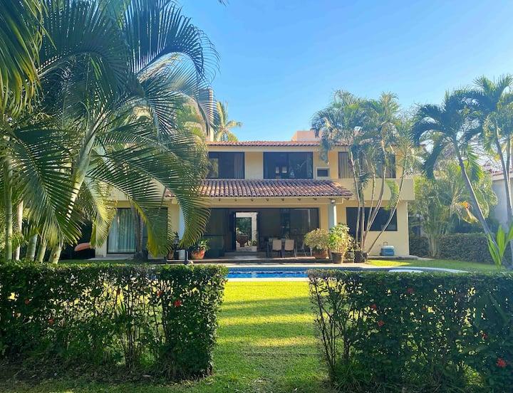 Casa Cuestabajo (16 people)
