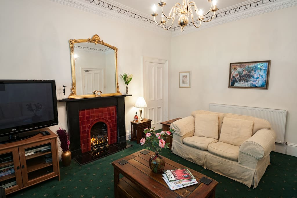 Classic Victorian Drawing room