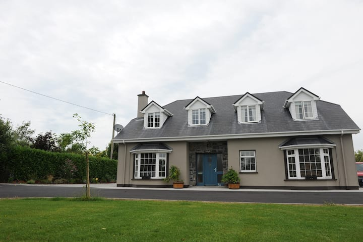 Ballyglass House - 3 Bedrooms