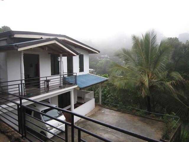 Kabbon Residence - Kundasale - Bed & Breakfast