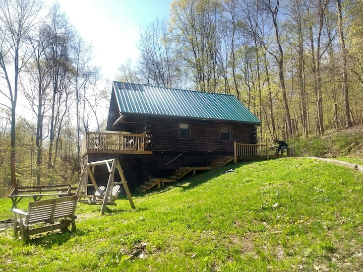 Captain Frank's off grid log cabin