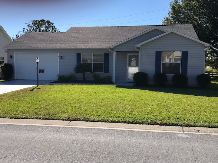 Excellent Location , Backyard Privacy The Villages