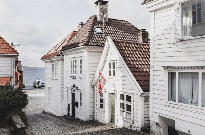 Traditional Bergen house-close to the city center