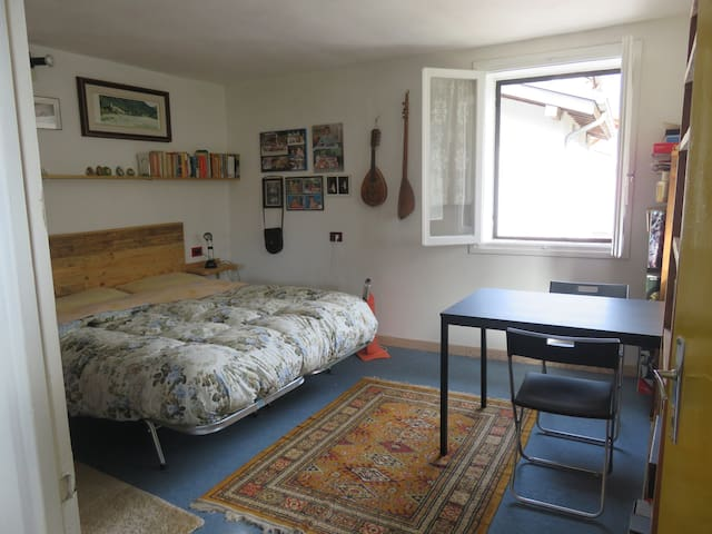 Roomy double bedroom in Valdastico