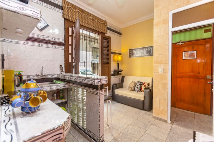 Wifi and Comfort: AC apartment in old Havana