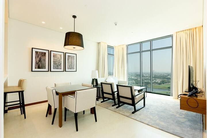 Luxury 1BR Apt | Lake Views