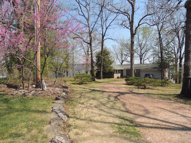 Heavenly Lake Home with a Panoramic View - Osage Beach - House