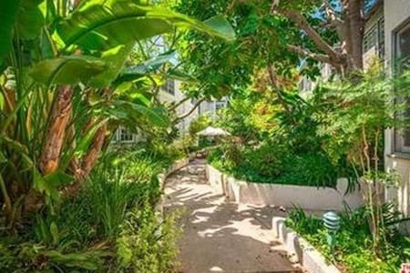 Charming, quiet and safe - Santa Monica - Apartment