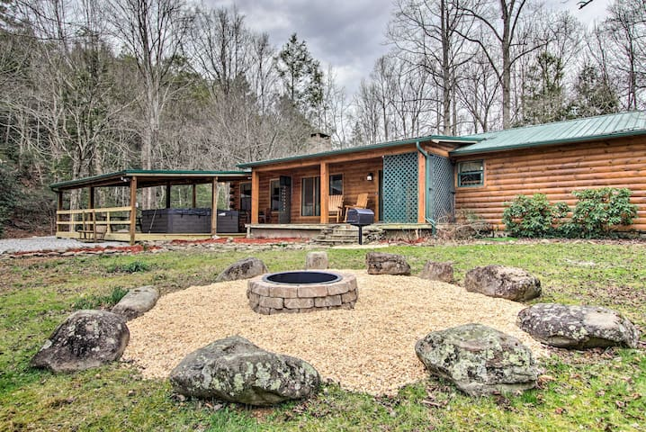 Creekside Cabin w/ Hot Tub, Fire Pit & Game Room!