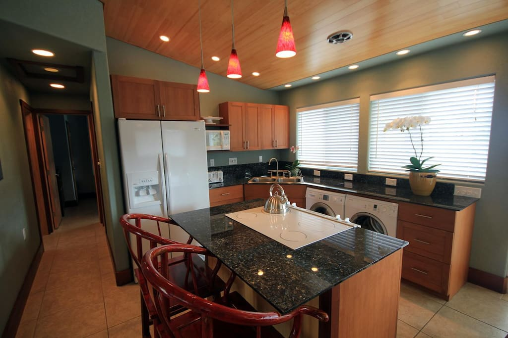full kitchen with washer & dryer